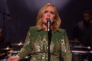 "Watch Adele Perform ""Hello"" Live For The First Time"