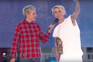 """Justin Bieber Performs """"What Do You Mean?"""" & """"Sorry"""" On 'The Ellen Degeneres Show': Watch"""