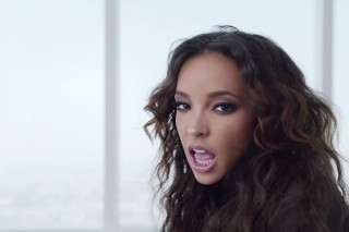 "Tinashe And Chris Brown Have A Sexy Dance Off In Their ""Player"" Video"