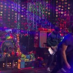 Coldplay Perform 'A Head Full