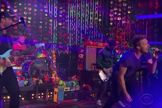 Coldplay Perform 'A Head Full Of Dreams' Tunes & Talk Beyonce On 'Corden': Watch