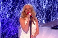 "Kylie Minogue Performs ""Winter Wonderland"" On 'Graham Norton': Watch"