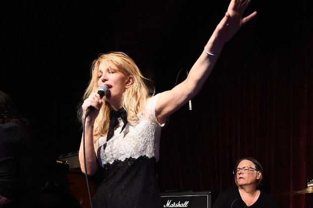 courtney love live perform 2016