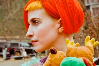 """Hayley Williams: """"We Are Writing"""" New Paramore Album"""