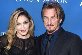 "Madonna Honors Sean Penn At Haiti Benefit: ""I Still Love You Just The Same"""
