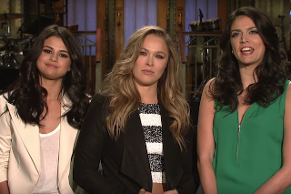 Selena Gomez & Ronda Rousey Are All About Girl Power In 'Saturday Night Live' Promo: Watch