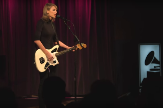 "Taylor Swift Performs Acoustic Version Of ""Wildest Dreams"" At The Grammy Museum: Watch"