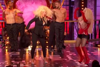 """Watch Hayden Panettiere & Christina Aguilera Perform """"Lady Marmalade"""" On 'Lip Sync Battle': Preview"""