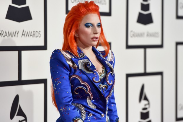 Lady Gaga Channels David Bowie At 2016 Grammys