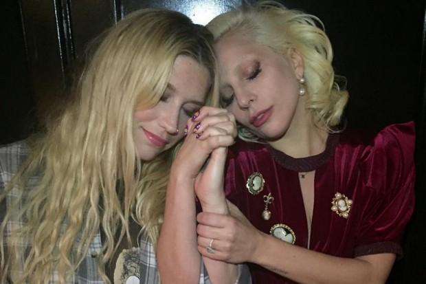 Lady Gaga Kesha hugging freekesha 2016