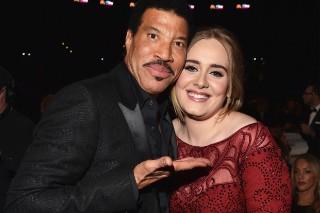 """Hello"" Singer Adele Finally Meets ""Hello"" Singer Lionel Richie At Grammys"