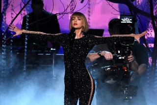 Grammy Awards Win Ratings For The Night, Dip Slightly From Last Year