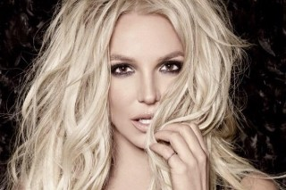 "Britney Spears Drops Mini Music Video For ""Breathe On Me"": Watch"
