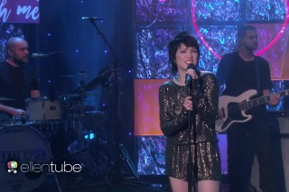 "Carly Rae Jepsen Performs ""Run Away With Me"" On 'The Ellen Show'"
