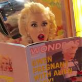 "Gwen Stefani's Live ""Make Me Like You"" Video"