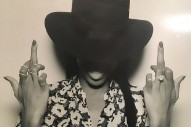 "Kelly Rowland Poses Like Beyonce In ""Formation"" Video: See The Pic"