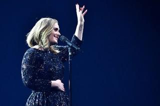 Watch Adele Praise Mariah Carey, Slam People Who Pressure Women To Breastfeed