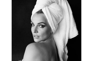 Britney Spears Poses For Mario Testino's Towel Series: See The Alluring Pic
