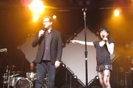 Watch Carly Rae Jepsen Perform The 'Full House' Theme With Danny Tanner