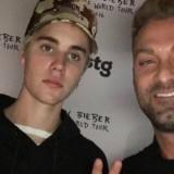 Justin Bieber's Awkward Meet & Greet Pics