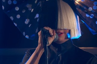 "Sia Performs ""Bird Set Free"" On 'Jimmy Kimmel Live': Watch"