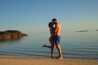 Taylor Swift & Calvin Harris Share Annoyingly Cute Pics From Their Beach Getaway