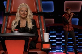 "'The Voice': Malik Heard Triumphs With Nick Jonas' ""Chains,"" Joins Team Christina Aguilera"
