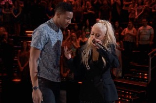 "'The Voice': Christina Aguilera Joins Contestant Joe Maye For Insane Duet Of ""I Put A Spell On You"""