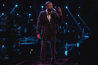 """'The Voice': Bryan Bautista's Amazing Rendition Of Zayn's """"Pillowtalk"""" During Live Playoffs"""