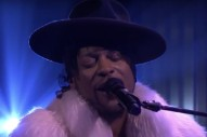 "D'Angelo Shares Stunning Cover of Prince's ""Sometimes It Snows In April"" On 'Fallon'"