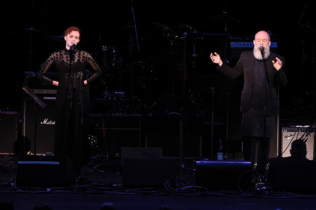 david-bowie-tribute-radio-city-michael-stipe-ashes-to-ashes-karen-elson