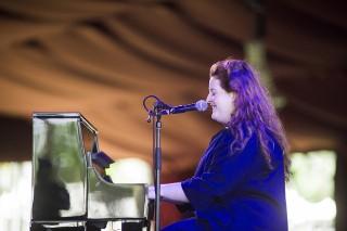 Coachella 2016: Frances On Big Ballads, Comparisons & Her Debut LP