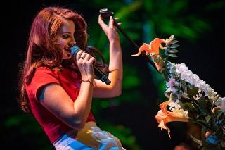 "Lana Del Rey Shares Snippets Of Unreleased ""Honeymoon"" Video: Watch"