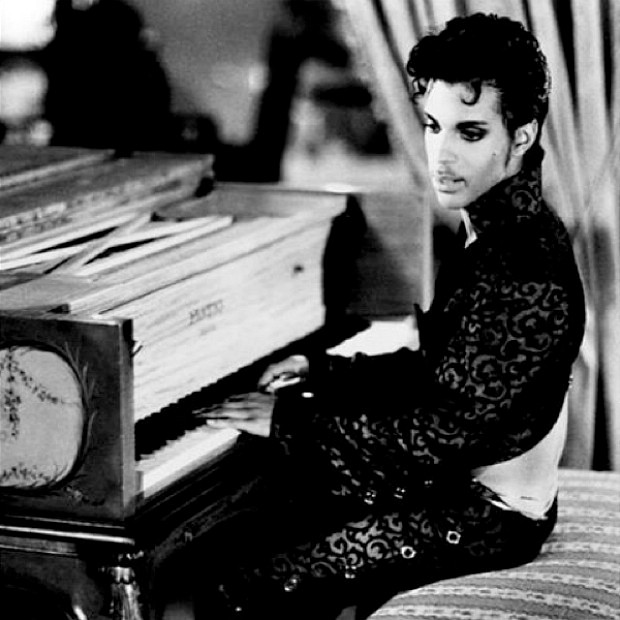Prince Tops Album Chart With 'Very Best' Compilation ...