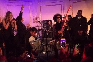 "Prince Performs ""Let's Go Crazy"" At 'SNL' 40th Anniversary Party: Watch"