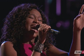 "'The Voice': Shalyah Fearing Steals The Night With Beyoncé's ""Listen"""
