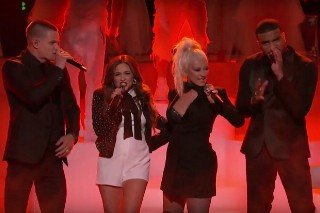 "'The Voice': Christina Aguilera Performs ""Live And Let Die,"" Thomas Rhett Does ""T-Shirt"""