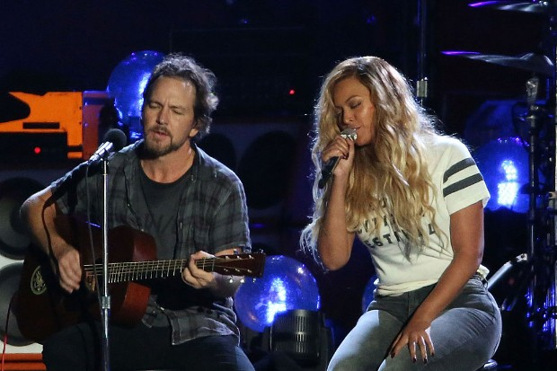 beyonce eddie vedder pearl jam 2015 Global Citizen Festival