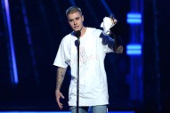 Justin Bieber Says What Everyone's Thinking In Post-BBMAs Note Dragging Awards Shows