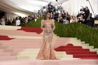 Beyonce, Katy Perry, Lady Gaga & More Walk The Red Carpet At The 2016 Met Gala: 18 Pics