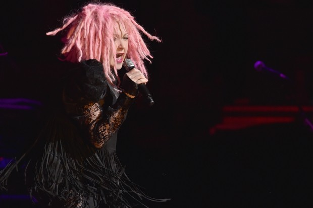 cyndi-lauper-prince-when-you-were-mine-live-2016-beacon-theatre-boy-george