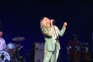 "Kesha Covers Bob Dylan's ""I Shall Be Released"" At Dylan Fest: Watch"