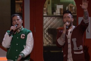 "'The Voice': Andy Samberg And Adam Levine Perform ""I'm So Humble"""