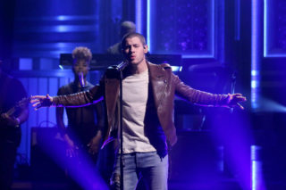 """Nick Jonas Delivers A Powerful Performance Of """"Close"""" On 'Fallon': Watch"""