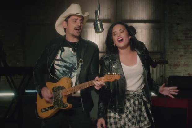 demi-lovato-brad-paisley-without-a-fight-vid