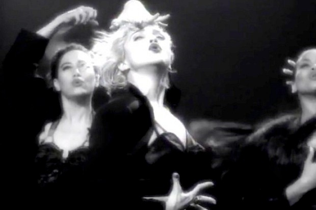 madonna-vogue-video-dance-1990