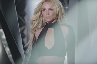 "Avowed Danielle Steel Fan Britney Spears Says New Album Out ""Very Soon"""