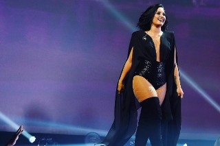"Demi Lovato Covers Prince's ""Purple Rain"" In Boston: Watch"