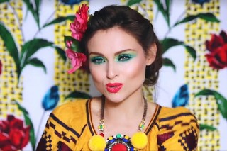 """Sophie Ellis-Bextor's 'Familia' Album: Watch A Trailer With Her Singing """"Come With Us"""""""