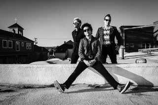 Green Day Top Album Chart For First Time In Seven Years With 'Revolution Radio'